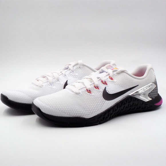 443d08fd73d7a New Women s Metcon 4 Athletic Shoes Size 8